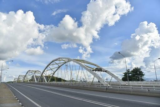 สะพานเดชาติวงศ์ และจุดชมวิวสะพานเดชาติวงศ์ จังหวัดนครสวรรค์